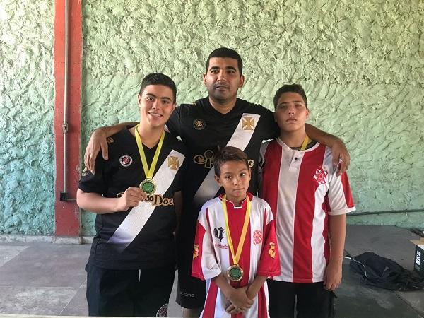 Da esquerda para direita: Breno Couto (CRVG), Kaiky Adriano (BAC) e Daniel Coutinho (BAC)