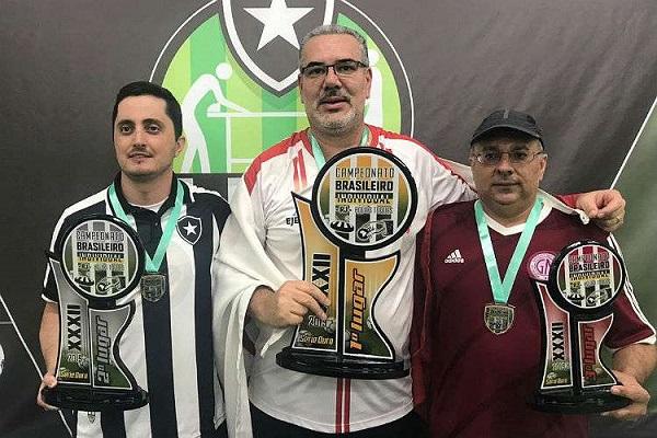 2º Diego Américo (Botafogo), 1º Lorival Ribeiro (Liberdade) e 3º Léo Duguet (Grêmio Mineiro)